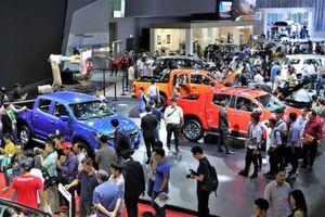 Chevrolet 'độ sẵn' Trailblazer và Colorado cho khách Việt