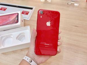 Trên tay iPhone XR đầu tiên về Việt Nam, giá 22,9 triệu đồng