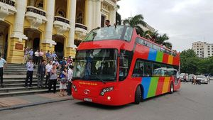Xe buýt 2 tầng giá 6 tỉ, mỗi lượt đi có... 7 khách