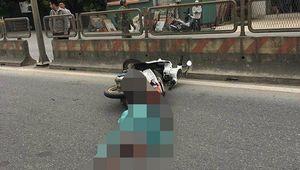 Cô gái quốc tịch Mỹ lái xe máy bất ngờ tử vong trên quốc lộ