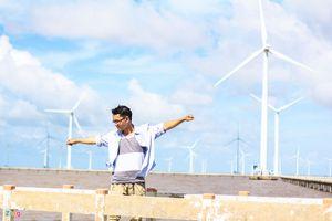Khám phá cánh đồng điện gió Bạc Liêu