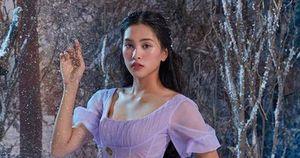Sở hữu nét đẹp rất tây, Hoa hậu Tiểu Vy 'nhập vai' Clara trong Kẹp hạt dẻ và bốn vương quốc