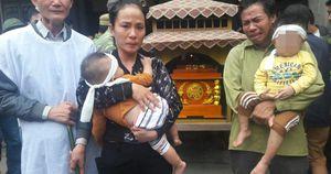 Vụ cô giáo mầm non tử vong khi va chạm với xe hiệu trưởng: Quặn lòng cảnh con thơ bám lấy bà đòi sữa