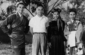Cuộc đời thăng trầm của 'Võ lâm minh chủ' Kim Dung