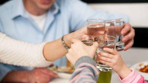 Nước Hydrogen là gì và ích lợi của nó cho sức khỏe?