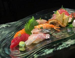 Điểm khác biệt cơ bản giữa sushi và sashimi là gì?