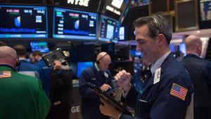Công ty của tỷ phú Warren Buffett kéo phố Wall trở lại
