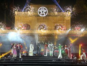 Ấn tượng màn trình diễn siêu xe chào đón Hà Nội - Việt Nam tham gia gia đình F1