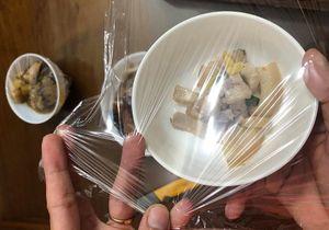 Cách nhận biết màng bọc thực phẩm 'dỏm'