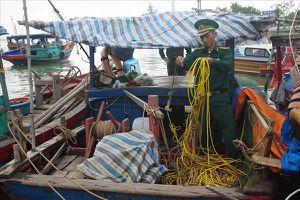 Nghệ An: Phát hiện nhiều đối tượng sử dụng kích điện đánh bắt hải sản trái phép trên biển