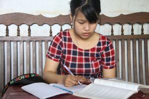 Nữ sinh trường Luật viết tiếp ước mơ vì lời hứa với mẹ đã khuất