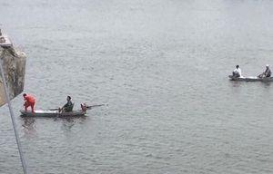 Nam thanh niên lao xuống sông cứu bạn gái, cả 2 cùng mất tích