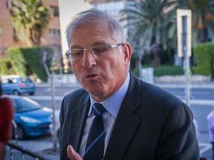 Luật sư của Thủ tướng Israel bị tình nghi nhận hối lộ và rửa tiền