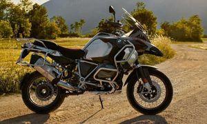 'Soi' BMW R 1250 GS Adventure giá 437 triệu đấu Ducati Multistrada
