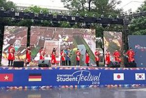 Tưng bừng khai mạc Festival Sinh viên Hà Nội mở rộng