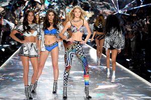 Ngất ngây trước dàn 'chân dài' nóng bỏng của Victoria's Secret Fashion Show 2018