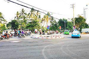 Vòng xuyến đặt tại nút giao đường Trần Phú và khu 86 Trần Phú chỉ là tạm thời