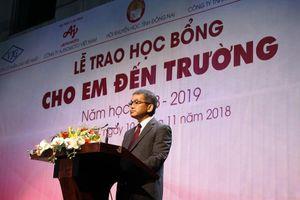 Trao 400 phần học bổng cho học sinh nghèo vượt khó ở Đồng Nai