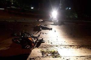 2 xe máy đâm nhau giữa đêm, 3 người tử vong