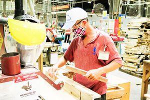 Các khu công nghiệp và Khu kinh tế tỉnh: Xây dựng môi trường làm việc không khói thuốc lá