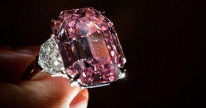 Đạt giá kỷ lục 50 triệu USD, viên kim cương hồng Pink Legacy có gì đặc biệt?