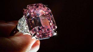 Viên kim cương hồng Pink Legacy được bán với giá kỷ lục 50 triệu USD