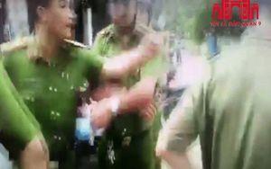TP.HCM: Bị người dân kích động, thiếu tá công an đòi 'cởi đồ, chọn thời gian địa điểm'