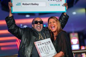 Mỹ: Trúng gần 345 triệu USD nhờ đánh một dãy số trong 25 năm