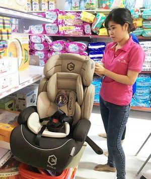 Ghế ô tô cho bé: Lựa chọn thế nào?