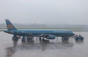 Nhiều hãng hàng không khuyến cáo về ngập úng, sạt lở do ảnh hưởng bão số 8