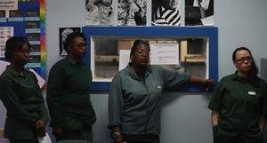 Phạm nhân được dạy công nghệ và dạy văn trong tù