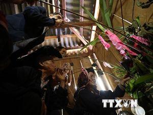 Hòa mình vào lễ hội Pang Phoóng của dân tộc Kháng ở Điện Biên