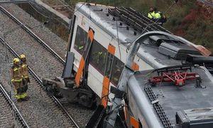 Tàu hỏa trật bánh, 50 người thương vong