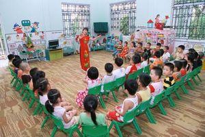 'Điểm danh' loạt trường học ở Hà Nội thu tiền trái quy định