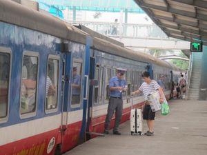 Tăng gần 50 đoàn tàu trên các tuyến đường sắt dịp Tết Dương lịch