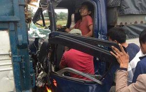 Tai nạn hy hữu: Tài xế 2 lần bị tông xe liên tiếp trên cao tốc, nhập viện trong tình trạng nguy kịch