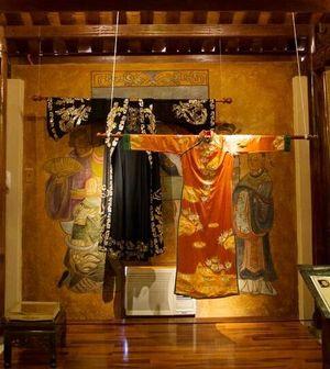 Hơn 40 hiện vật áo dài quý sẽ xuất hiện tại Không gian Di sản văn hóa Việt Nam 2018