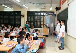 Nhiều trường Hà Nội tự ý đặt ra những khoản thu không đúng quy định