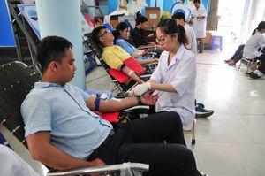 Tỉnh đoàn Khánh Hòa vận động hiến được gần 200 đơn vị máu