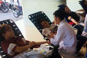 Người dân tích cực tham gia hiến máu