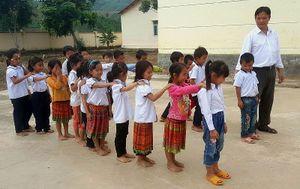 Những người thầy vượt khó, gắn bó với học sinh vùng sâu