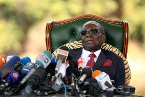 Cựu Tổng thống Zimbabwe Mugabe mất khả năng đi lại