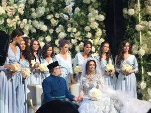 Nhà vua Malaysia kết hôn với Hoa hậu Moscow