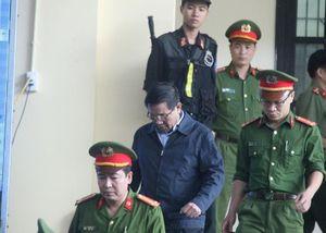 Ông Phan Văn Vĩnh nhập viện trước ngày tuyên án