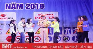 Sinh viên Trường Đại học Hà Tĩnh với an toàn giao thông