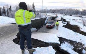 Mỹ ban bố tình trạng thảm họa sau trận động đất