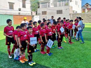 120 cầu thủ nhí dự giải bóng đá mini - tranh cúp Cathay Life