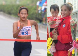 'Bà mẹ một con' Nguyễn Thị Thanh Phúc giành HCV đi bộ 20km