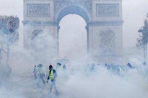 Toàn cảnh vụ bạo động tồi tệ nhất ở Paris 50 năm qua