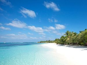 Bãi Kem lọt top 100 bãi biển đẹp nhất thế giới năm 2018